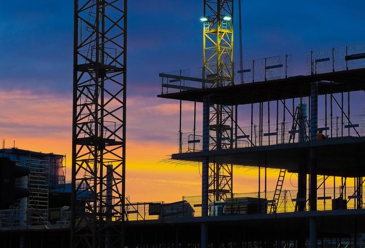 Właściwie z obowiązującymi regułami nowo konstruowane domy muszą być energooszczędne.