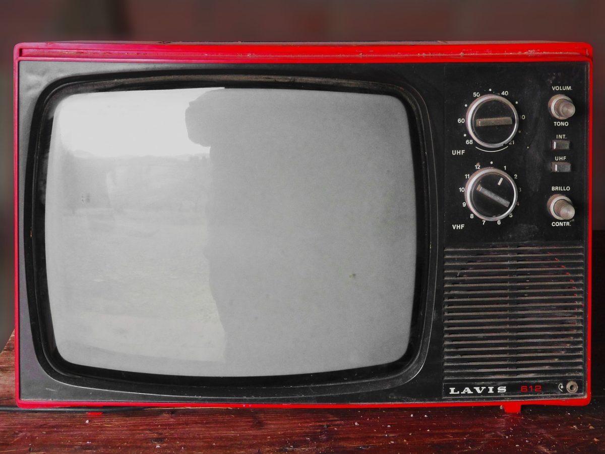Wspólny odetchnięcie przed tv, lub niedzielne filmowe popołudnie, umila nam czas wolny ,a także pozwala się zrelaksować.